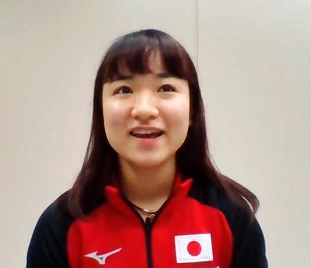 オンラインで取材に応じる卓球女子の伊藤美誠