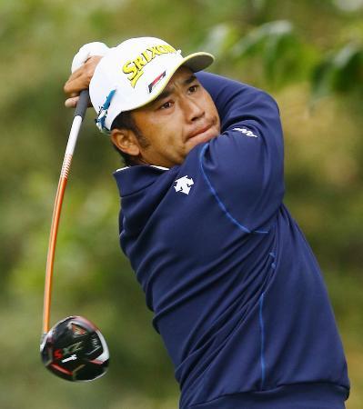 10月26日のZOZOゴルフ最終ラウンドでプレーする松山英樹=シャーウッドCC