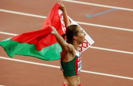 2015年世界選手権で女子800メートルを制したマリナ・アルザマソワ=北京(ロイター=共同)