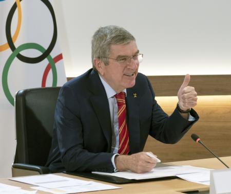 IOC理事会に出席したバッハ会長=7日、ローザンヌ(IOC提供・共同)