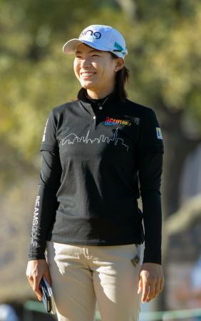 練習ラウンドで笑顔を見せる渋野日向子=チャンピオンズGC(共同)