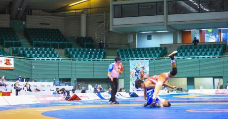 無観客で開催されたレスリングの全日本選手権=17日、駒沢体育館(代表撮影)