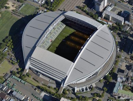サッカーの全日本高校女子選手権決勝が行われる神戸市のノエビアスタジアム神戸