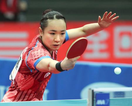 女子シングルス準々決勝でストレート勝ちした伊藤美誠=丸善インテックアリーナ大阪