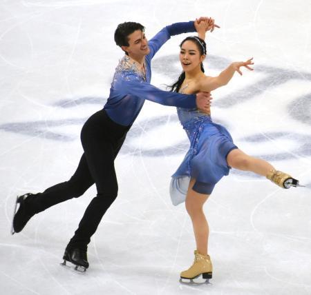 アイスダンスで19位だった小松原美里(右)、小松原尊組のフリー=ストックホルム(共同)