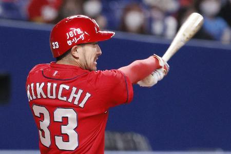 1回広島無死、菊池涼が左越えに先頭打者本塁打を放つ。通算100本塁打を達成=バンテリンドーム