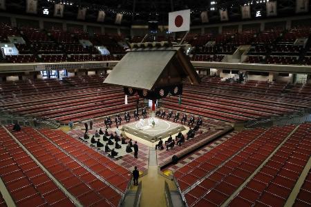 東京・両国国技館で行われた大相撲春場所の土俵祭り=3月13日