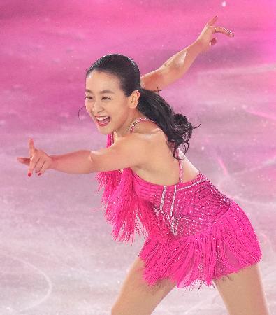 「サンクスツアー」の最終公演で演技する浅田真央さん=横浜アリーナ
