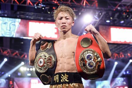 2020年10月、WBA、IBFバンタム級タイトルマッチで、ジェーソン・モロニーにKO勝ちし、防衛に成功した井上尚弥=米ラスベガス(トップランク社提供、ゲッティ=共同)