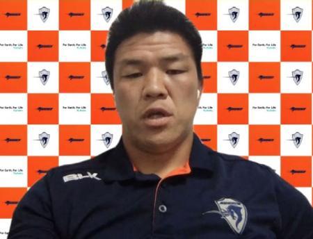 ラグビー、トップリーグのプレーオフトーナメント準決勝を前に、オンラインで取材に応じるクボタの立川主将=13日