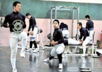 静岡 2年ぶり選抜(下)冬の体幹トレーニング