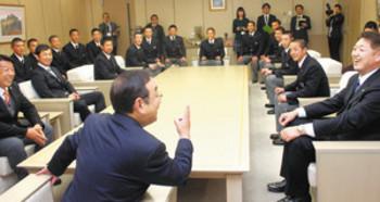 健大高崎 日本一目指したい 市長表敬