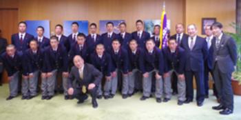 智弁学園と高田商 選手ら県庁訪問