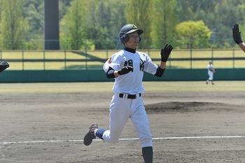 奥越明成が3本塁打、丹南に圧勝 春季福井県大会