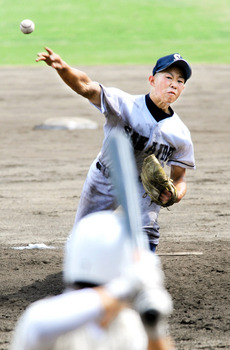 坂出、早実に快勝 高校野球招待試合