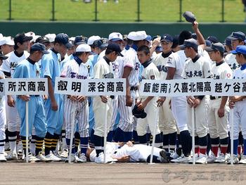 球児1人搬送…熱中症で15人体調不良 夏の埼玉大会開会式、県内猛暑