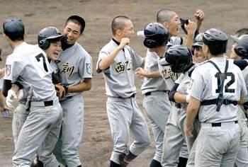 西乙訓、サヨナラで3回戦へ 高校野球京都大会