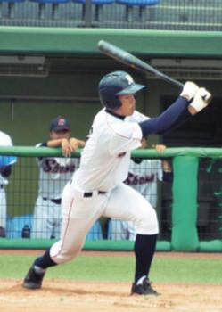庄和 3年の島崎駿平1塁手 病苦超え、最後は快打