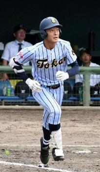東海大福岡・遠藤、公式戦初アーチから連発 福岡大会