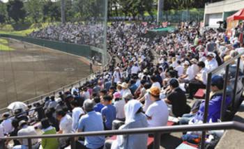 清宮選手が104号弾、6000人見つめる中 西東京大会