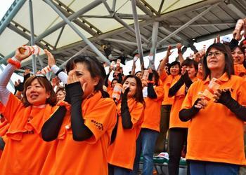 さあ甲子園!興南応援団、父母ら感涙 夏の沖縄大会