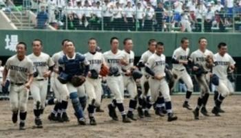 久留米商完封で8強、京都無念の1安打 夏の福岡大会
