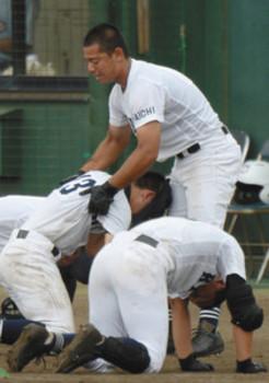 三塁コーチで仲間鼓舞、享栄のベーグ主将 愛知大会