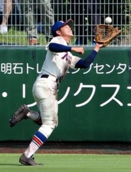 神戸国際大付・森田、攻守に躍動 4安打、美技でV貢献