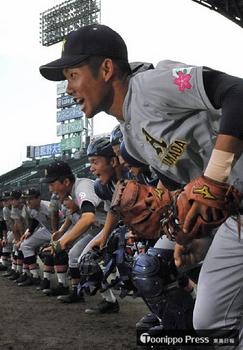 青森山田 ナインが甲子園練習…ハプニングも