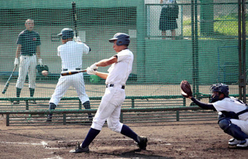 彦根東、左腕想定しシート打撃 夏の甲子園