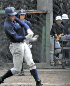 左腕からの速球「振り遅れずに」 横浜、秀岳館想定し練習