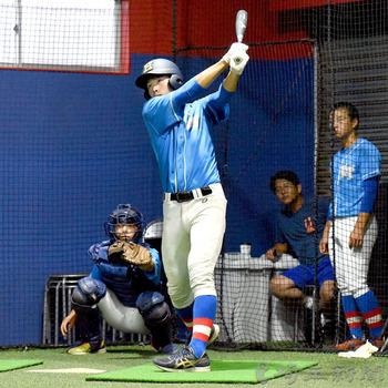 花咲徳栄 室内練習場で調整 ミーティングでは左腕対策