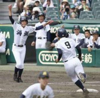 右目失明の竹内選手(徳島・鳴門渦潮) 三塁コーチで得点導く 「最高の場所だった」