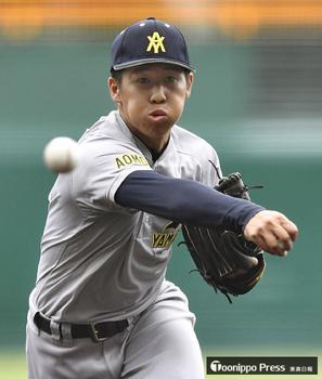 うなる142キロ、背番号10躍動 完投の青森山田高・斉藤勇