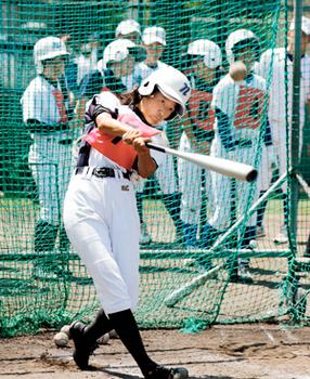 新田高女子硬式野球部の見学会、18年創設予定
