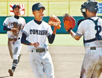 富山商8強入り 全国高校軟式野球
