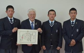 秋季関東大会 準Vの明秀日立 市長に報告
