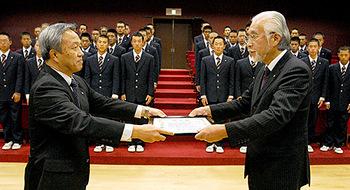 山形 21世紀枠候補の九里学園に表彰状伝達