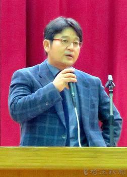 花咲徳栄 岩井監督、甲子園優勝を語る 中学校で講演会