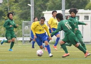 サッカー九州高校女子選手権 佐賀県勢2校は初戦敗退