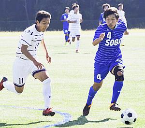 富岡、安積などが4回戦へ 高校サッカー選手権県大会