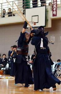 男子龍谷、女子三養基V 佐賀県高校新人剣道