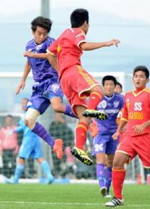 龍谷など準決勝へ 全国高校サッカー佐賀大会