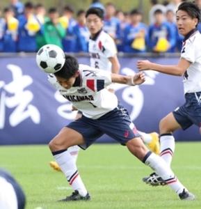 滝川二、雪辱の1勝 兵庫県高校サッカー