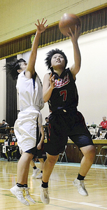 男女ベスト8が決定 福島県選抜高校バスケットボール