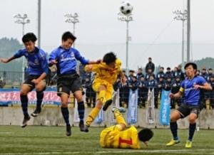 日本文理など8強進出 高校サッカー新潟県大会