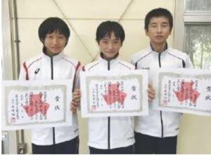 男子2種目、杠制す 佐賀県フェンシング高校新人大会