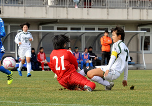 東北高校女子サッカー 専大北上が全国切符