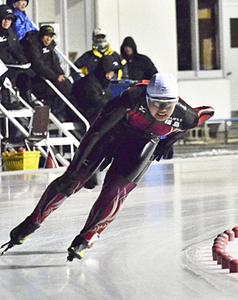 木田、秋山が大会新で女子3冠 福島県総体スケート