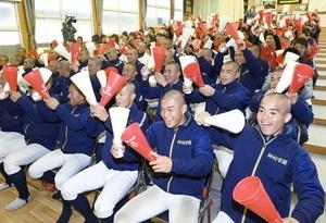 高校駅伝女子・神村3位 校内で生徒ら130人応援